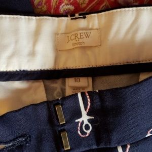 J. Crew Pants - J crew size 10 anchor navy blue cropped chinos.